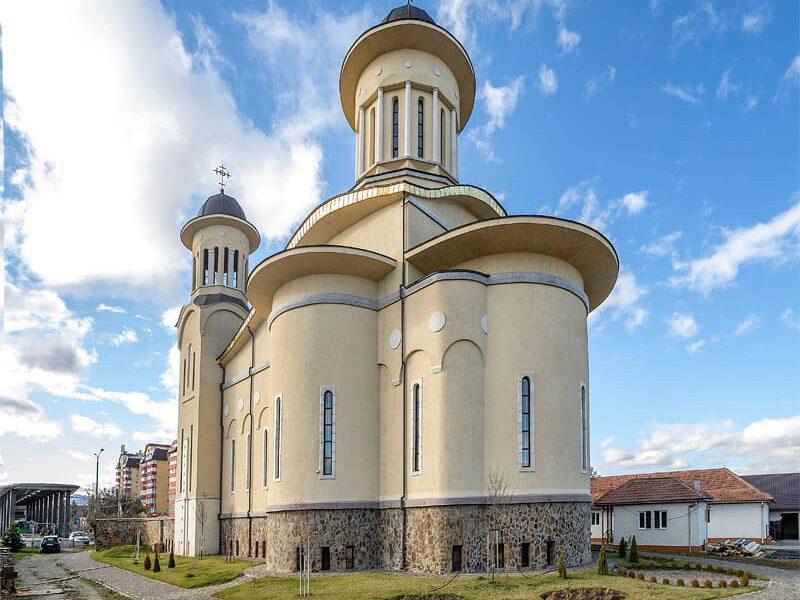 Biserica Sfânta Cuvioasă Paraschiva 10