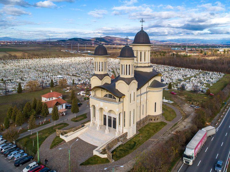 Biserica Sfânta Cuvioasă Paraschiva 6