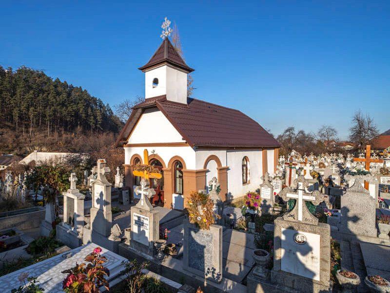 Biserica Sfânta Treime - Pe Tocile 18