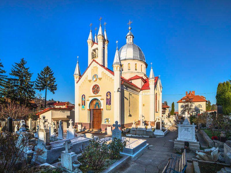 Biserica Sf. Cuv. Parascheva 11