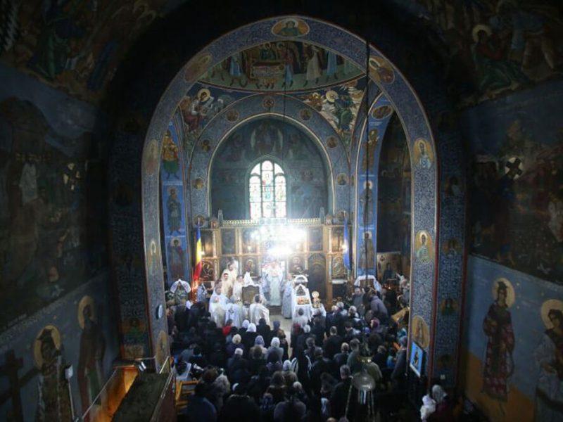 Biserica Sf. Cuv. Parascheva 5