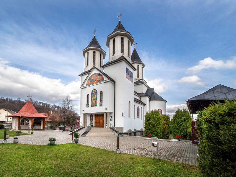 Biserica Sf. Ioan Botezătorul și Sf. Mc. Mina 20