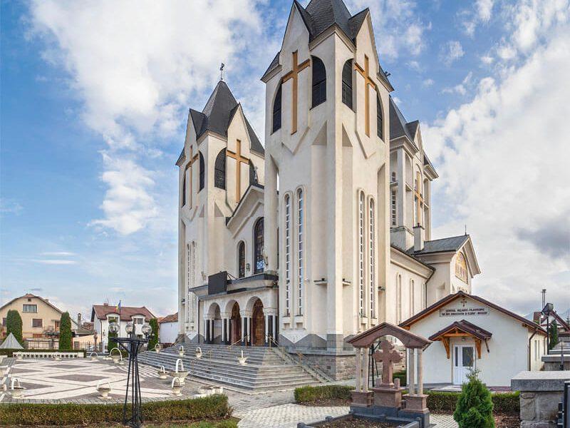 Biserica Sfinții Împărați Constantin şi Elena şi Sf. Corneliu Sutaşul 3
