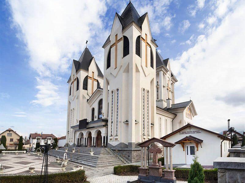 Biserica Sfinții Împărați Constantin şi Elena şi Sf. Corneliu Sutaşul 4