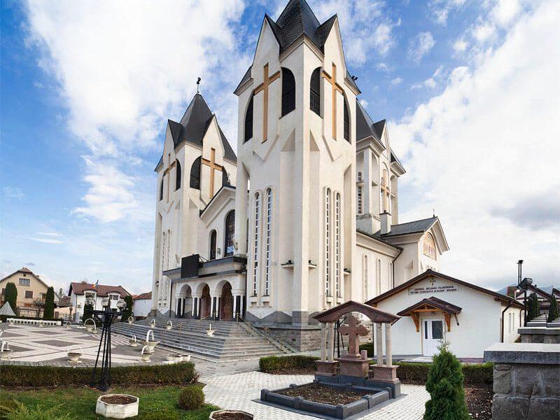 Biserica Sfinții Împărați Constantin şi Elena şi Sf. Corneliu Sutaşul 5