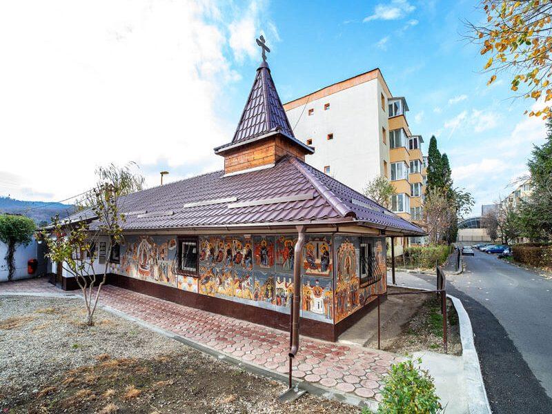 Biserica Adormirea Maicii Domnului 9
