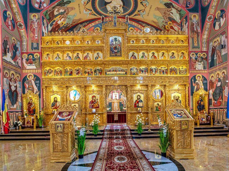 Biserica Sf. Ap. Petru și Pavel și Acoperământul Maicii Domnului 8