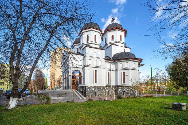 Biserica Sf. Mc Mina și Sf. Vasile Cel Mare 9