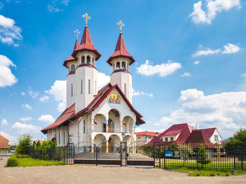 Biserica Sf. Trei Ierarhi și Sf. Bartolomeu 13