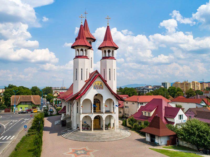 Biserica Sf. Trei Ierarhi și Sf. Bartolomeu 8