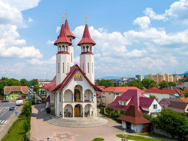 Biserica Sf. Trei Ierarhi și Sf. Bartolomeu 9