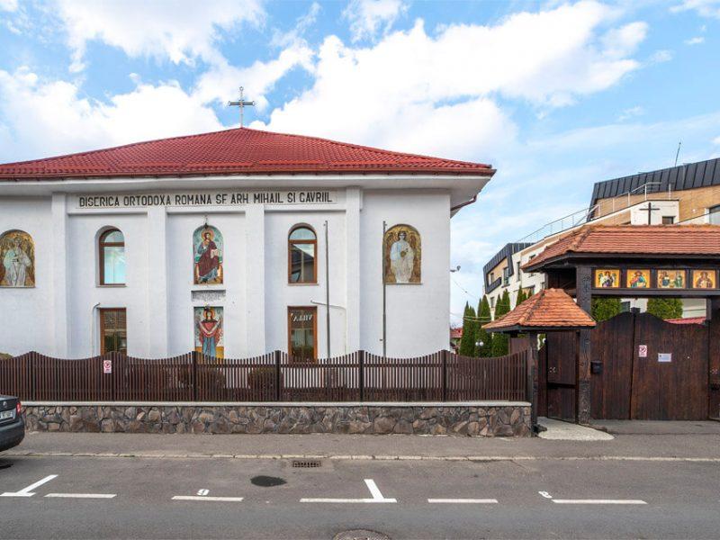 Biserica Sfinții Arhangheli Mihail și Gavriil 8