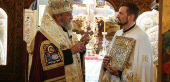 """Sărbătoare la Biserica """"Sfânta Treime""""-Tocile din Şcheii Braşovului (2)"""