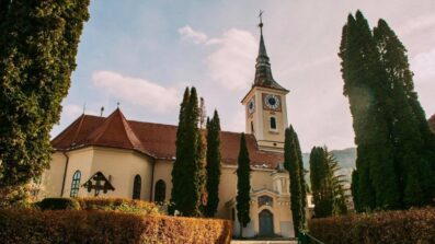 "Hramul bisericii ""Sfânta Treime"" Șchei (4)"